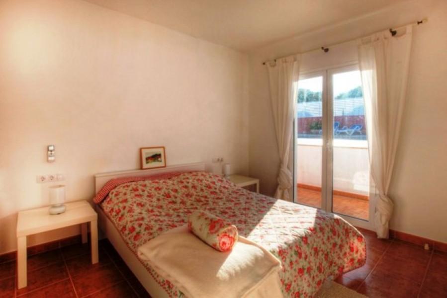 1711: Villa for sale in Punta Prima