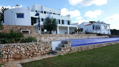 1760: Villa in Es Canutells