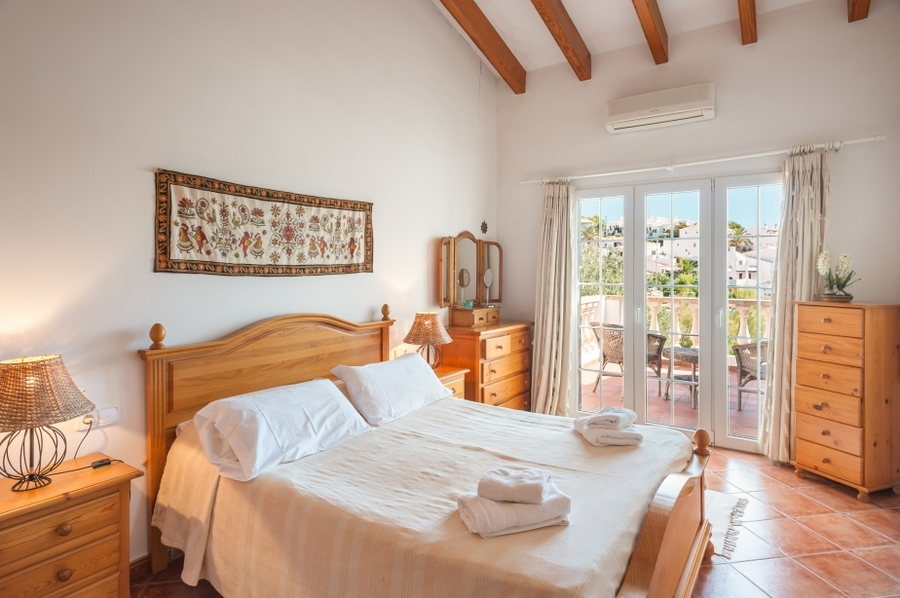 Villa 6 Bedroom  For sale