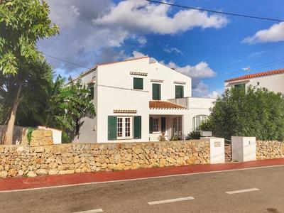 1801: Villa in Llucmaçanes