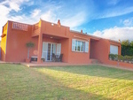 1802: Villa for sale in Santa Ana