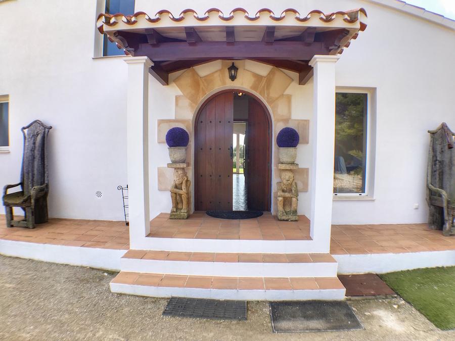 5 Bedroom Alcaufar Villa