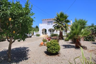 1837: Villa in Trebaluger
