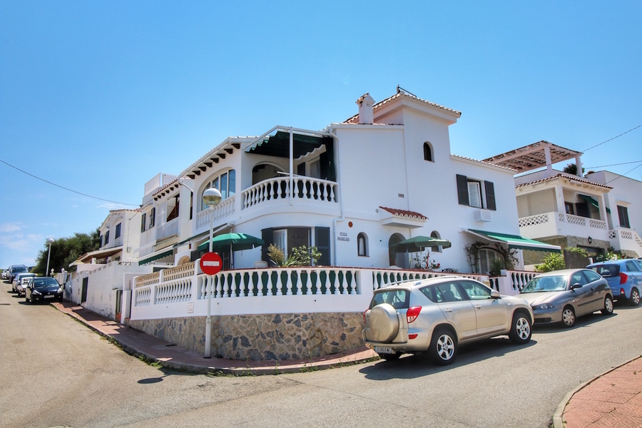 For sale Town House 5 Bedroom