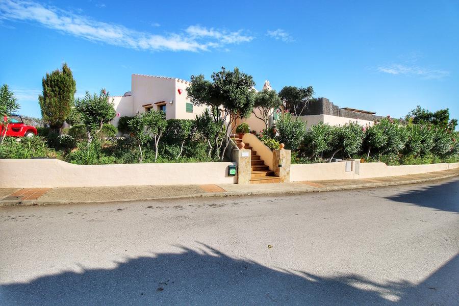 Villa 3 Bedroom Cala Llonga