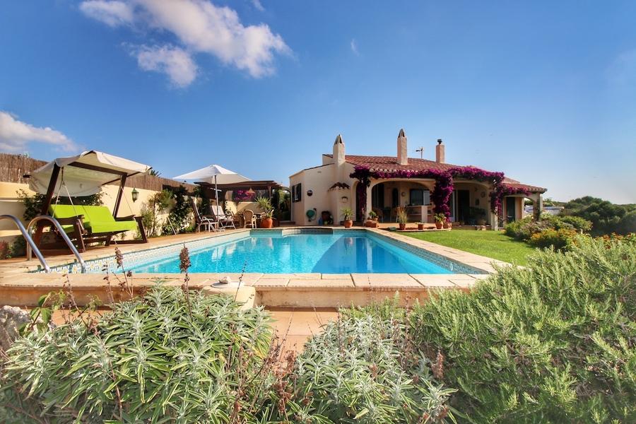 Villa For sale Cala Llonga