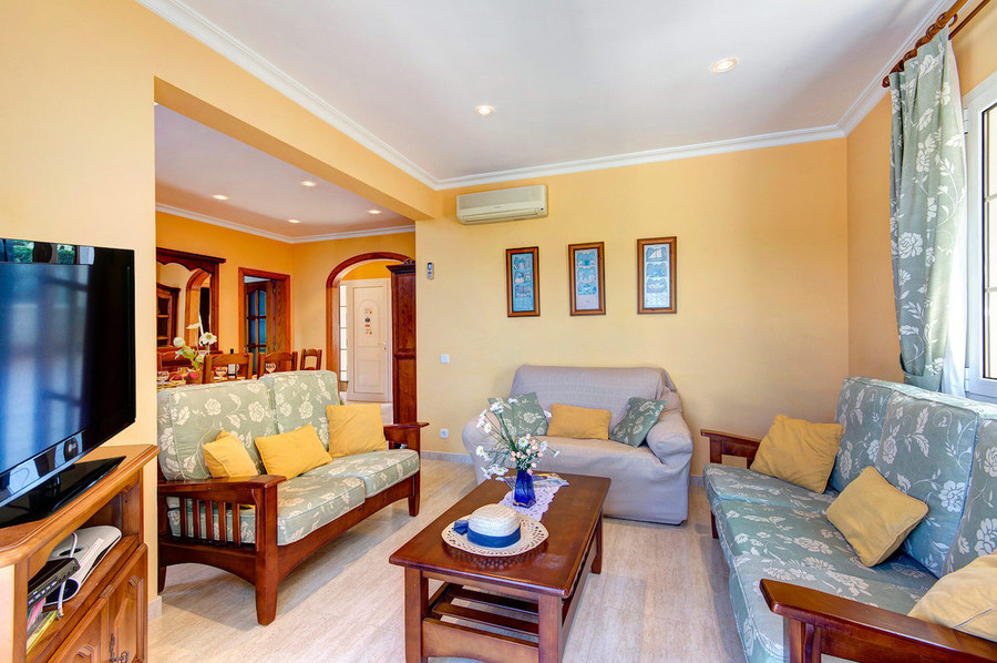Villa 4 Bedroom  For sale