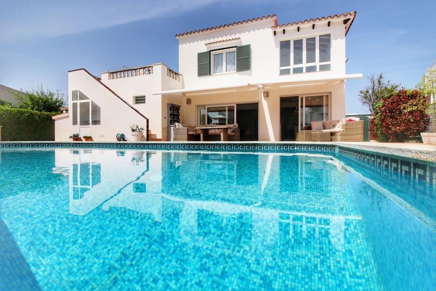 Villa For sale Santa Ana
