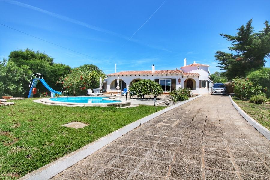 1896: Villa for sale in Binixica