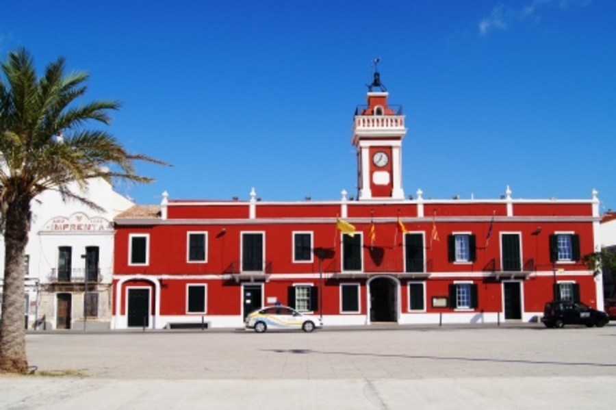1926: Town House for sale in Es Castell