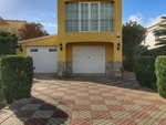1947: Villa for sale in Santa Ana