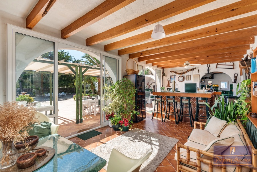 12 Bedroom Villa For sale