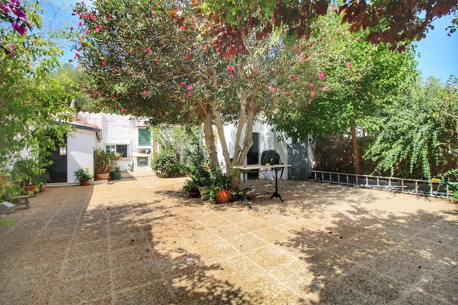 For sale Llucmaçanes Villa