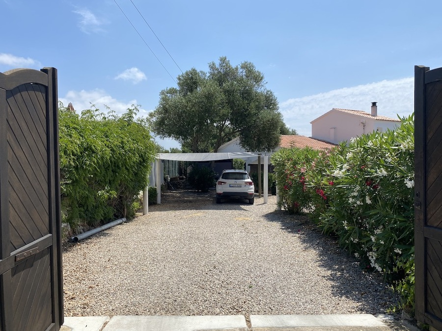 2014: Villa for sale in Binixica