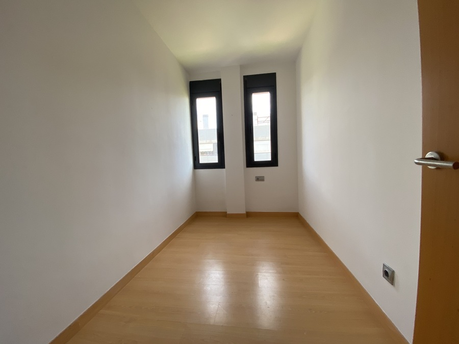 For sale 3 Bedroom Apartment