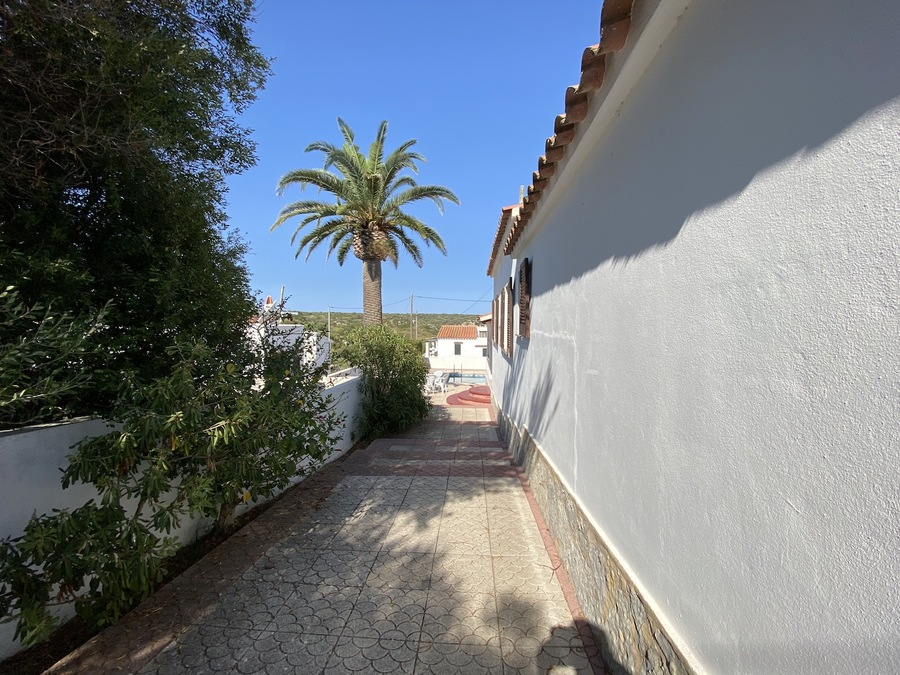 2027: Villa for sale in Cala N Porter